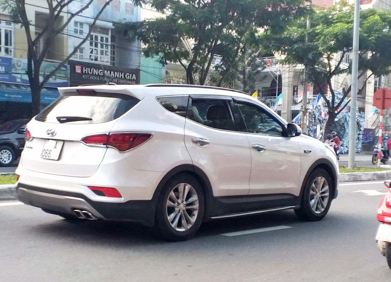 Hyundai-SantaFe-cho-thue, Hyundai SantaFe for rent