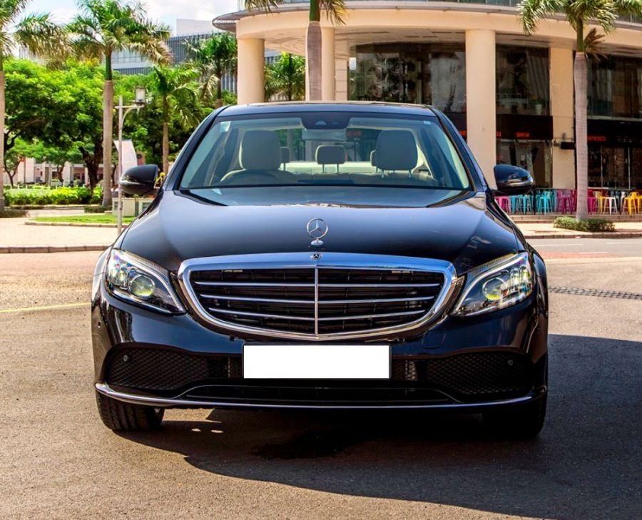 Mercedes-e200-exclusive-rental-4-seat-vip-car